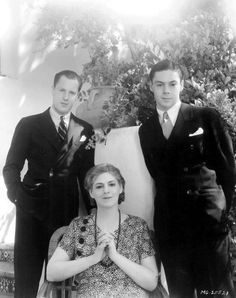 Ethel Barrymore and her sons Samuel and John (1932)