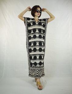 Schwarzer Punkt & Dreieck Grafik bedruckter Baumwolle Sommerkleid Maxi-Kleid…