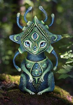 Fabrico criaturas místicas que traen luz, paz y felicidad