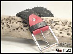 Cintura fatta a mano con copertone di bici nero // di Sgommata