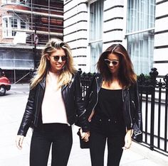 #Outfit #leather #leatherjacket #matchingoutfits #friends #tshirt #blakjeans #jeans #clotify