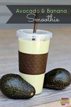 Banana and Avocado Smoothie. This Banana & Avocado Smoothie Recipe is easy to make and tasty until the last drop. The taste is smooth and makes for a great afternoon snack! Breakfast Smoothies, Healthy Smoothies, Healthy Drinks, Healthy Snacks, Healthy Recipes, Delicious Recipes, Fitness Smoothies, Snack Recipes, Healthy Juices