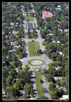 """Ward Parkway: Meyer Circle & The Seahorse Fountain, (lower center) 63ST & """"Mirror Pool Fountain (top center)"""
