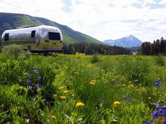 What is boondocking? Learn how to boondock like a pro from RVers with over 15 years of boondocking experience and safely enjoy free RV camping. Used Camping Gear, Camping Style, Rv Camping Checklist, Camping Hacks, Colorado Wildflowers, Us Park, Crested Butte Colorado, Forest Camp, Oregon Trail