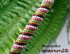 Spiral gourd stitch with instructions. Different from peyote...interesting.