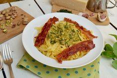 Découvrez une recette spécial étudiants facile et originale : les tagliatelles aux pistaches. Surprenant mais délicieux !