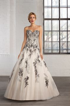 A black wedding dress is a great alternative to traditional white - from full skirts to feathers, we've found some of the most gorgeous black bridal gowns. Black White Wedding Dress, Lace Wedding Dress, 2016 Wedding Dresses, Wedding Dresses Plus Size, Wedding Dress Shopping, Perfect Wedding Dress, Wedding Dress Styles, Bridal Dresses, Wedding Gowns
