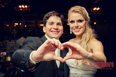 Acho que todas vocês já sabem o quanto eu adoro mostrar aqui no Blog casamentos reais. Pensando nisso (e sabendo que muitas de vocês também adoram esse ti