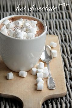 hot cocoa with Lots of marshmallows...<3