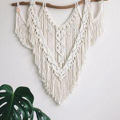 Macrame Art, Macrame Knots, Wall Hanging Designs, Fabric Yarn, Modern Boho, Loom Knitting, Fiber Art, Crochet Top, Crochet Necklace