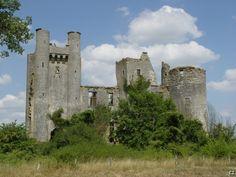 Chateau passy les tours 001 - Liste von Burgen, Schlössern und Festungen in Burgund – Wikipedia — Foto Christophe.zwaenepoel