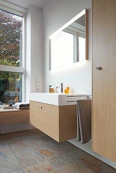 Attractive ensemble: Brioso vanity unit with Vero-Air furniture washbasin and single lever washbasin mixer. Natural Modern Bathrooms, Natural Bathroom, Next Bathroom, Duravit, West London, Mini Bad, Mirror Cabinets, Vanity Units, Bathroom Furniture