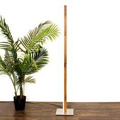 Die Stehleuchte aus Holz mit Led ist dimmbar. Sie wird nach Deinem Wunsch in der gewünschten Holzart hergestellt. Incense, Led, Design, Home, Types Of Wood, Wish, Light Fixtures, Ad Home