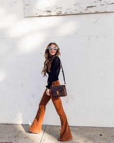 My Style Source by dkwstyling fashion classy 70s Inspired Fashion, 70s Fashion, Womens Fashion, Fashion Hacks, Style Fashion, Fashion Quotes, Bohemian Fall Fashion, Vintage Chic Fashion, Fashion Tips