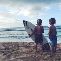 """These too cuties having a chat about the surf ❤️☺️ #besties #thebillabongdaily"" Lyndie Irons"