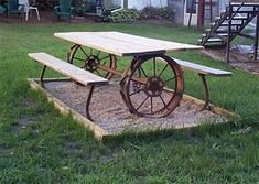 farm equipment ideas for home decorating Picnic table made from repurposed farm equipment. Tons of great ideas in this post!Picnic table made from repurposed farm equipment. Tons of great ideas in this post! Metal Garden Art, Metal Art, Outdoor Projects, Outdoor Decor, Rustic Outdoor, Farmhouse Garden, Farmhouse Style, Old Farm Equipment, Picnic Area