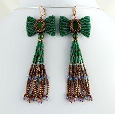 Fiocchi e nappe Errings smeraldo verde e rame di LuxVivensFashion