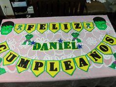 Banderines de el increible hulk lo puedes utilizar en pared y mesa