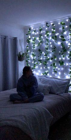 Cute Bedroom Decor, Room Design Bedroom, Room Ideas Bedroom, Bedroom Wall, Bedding Decor, Bedroom Plants, Aesthetic Room Decor, Aesthetic Girl, Cozy Room