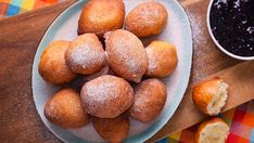 Romanian Desserts, Romanian Food, Pretzel Bites, Easy Desserts, Nutella, Deserts, Potatoes, Peach, Sweets