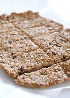 μπάρες βρώμης Protein Desserts, Healthy Desserts, Healthy Recipes, Sweet And Salty, Clean Eating Snacks, Bar, Sweet Recipes, Banana Bread, Breakfast Recipes