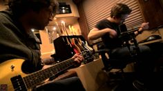 Hunter Hayes - #ForTheLoveOfMusic - Episode 68 (+playlist) Has anyone else noticed the sock monkey in the black shelf behind Hunter?