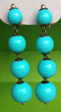 NOW AVAILABLE: 60s 70s vintage Mad men style turquoise earrings clipon by VINTAGEnKITSCH, £5.00