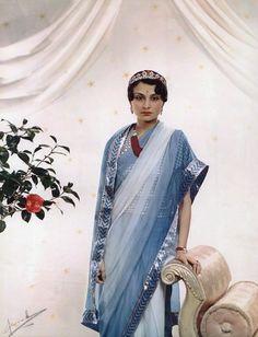 Rajmata Krishna Kumari of Marwar and Jodhpur ) Photo by Madame Yevonde Vivex colour print, National Portrait Gallery. Royal Tiaras, Royal Jewels, Royal Fashion, Indian Fashion, Udaipur, Jaisalmer, Duleep Singh, La Bayadere, Royal Indian