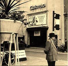 Bioscoop Astoria rond 1959 aan de Voorstraat in Dordrecht naast de Waalse Kerk