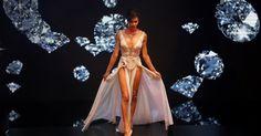 Talleen Abu Hanna desfila durante a primeira edição do concurso de beleza Miss Trans Israel, em Tel Aviv