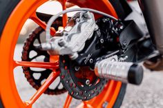 Trough the past years we have made lot's of stunt builds with my team and our recent creation is RC The engine is one of my. Ktm Duke 200, Ktm 690, Stunt Bike, Stunts, Motorbikes, Motorcycle, Motorcycles, Cheer Stunts, Waterfalls
