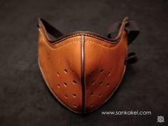 Masque moto en cuir SANKAKEL leather mask / www.sankakel.com/