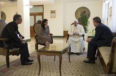 Papa designa a una mujer viceportavoz de la Santa Sede
