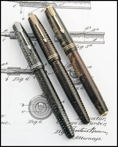Parker Vacumatic Models Photo by Álvaro Romillo. At one time I had a beautiful BLUE one.