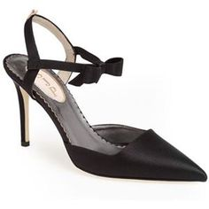 Little Black Dress? Yes Please!SJP 'Pola' Pointy Toe Pump | Nordstrom #SWEEPSENTRY