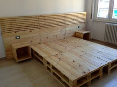 100 DIY Ideas For Wood Pallet Beds: Rehashing is budget friendly and environmentally healthy activity. So get ready to have mesmerizing wood pallet beds at your Diy Pallet Bed, Wooden Pallet Furniture, Wood Pallets, Pallet Wood, Furniture Ideas, Pallet Bed Frames, Pallet Couch, Pallet Patio, Outdoor Furniture
