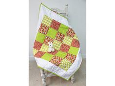 baby quilt,play mat,snuggly blanket,crib quilt,cot quilt,car blanket,handmade patchwork baby quilt,pure cotton quilt,geometric shapes green,