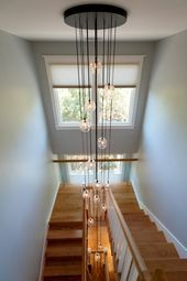 Modern Staircase, Staircase Design, Decoration Design, Design Moderne, Modern Lighting, Light Fixtures, Modern Design, Stairs, Ceiling Lights