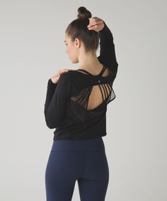 Release Date: 3/2016. Original Price: $88. This lightweight long sleeve was designed to give the perfect amount of coverage during your pre-practice warm-up and post-sweat cool-down.   This technical fabric is naturally breathable and four-way stretchMeshThe back of this top is lightweight, sweat-wicking Mesh fabric to help keep you coolbreathablelightweightsweat-wicking