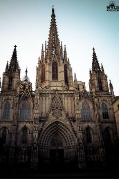 Barcelona cathedral lies at the entrance to the maze of streets and lanes that make up the Gothic Quarter in Barcelona. The Gothic Quarter and La Rambla make up our favourite part of Barcelona.