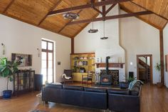 This whole house is so simple and cute - totally uncluttered! Max & Emily's Stone Farmhouse with an Artistic History
