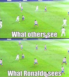 Being Cristiano Ronaldo - funny world - Sport Funny Football Memes, Soccer Jokes, Funny Sports Memes, Soccer Stuff, Funny Soccer Quotes, Softball Quotes, Really Funny Memes, Stupid Funny Memes, Funny Relatable Memes