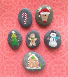 Beautiful christmas rock painting ideas (28) - GODIYGO.COM
