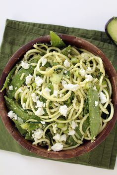 Pin for Later: 8 Avocado Pasta Recipes So Creamy You Might Die Mint Pesto Zucchini Pasta With Goat Cheese and Avocado Get the recipe: mint pesto zucchini pasta with goat cheese and avocado Avocado Pasta, Zucchini Pasta, Zucchini Pizzas, Veggie Noodles, Vegetable Pasta, Vegetable Recipes, Paleo Recipes, Dinner Recipes, Cooking Recipes