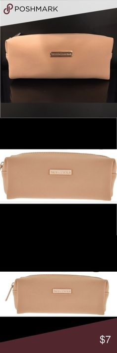 NEW - Bare minerals Makeup pouch - blush/tan color Ran across this unused pouch in my stash.  I assume it was from the GWP shown in subsequent pics.... but this is an amazing size for your purse, briefcase, or your desk, and in brand new condition. bareMinerals Bags Cosmetic Bags & Cases