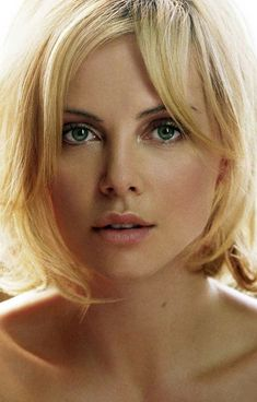 One of the most beautiful women in the world and one of the talented actresses alive today. Charlize Theron, Most Beautiful Faces, Beautiful Eyes, Gorgeous Women, 1990 Style, Atomic Blonde, Woman Face, Beautiful Actresses, Hollywood Actresses