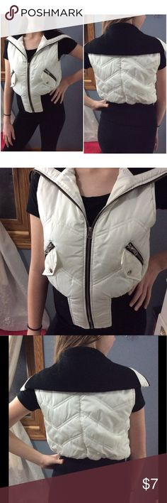 Cute vest Very good Preowned condition. Fits as XS-small. Bundle with other items for more discount Jackets & Coats Vests