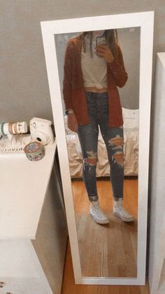 Cute casual outfit high school outfits, outfits for teens, trendy outfits, spring outfits Fall Outfits For School, Cute Casual Outfits, College Outfits, Everyday Outfits, Outfits For Teens, Summer Outfits, School Wear, Everyday Fashion, Winter Outfits