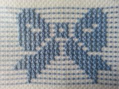 Vicky Aguilar's media statistics and analytics Cat Cross Stitches, Cross Stitch Embroidery, Cross Stitch Patterns, Simple Cross Stitch, Cross Stitch Baby, Bordado Tipo Chicken Scratch, Sewing Crafts, Sewing Projects, Swedish Embroidery
