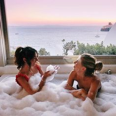 This friendship is a dream please don't wake me up❤️ Bff Pictures, Cute Photos, Cavo Tagoo Mykonos, Ft Tumblr, Good Vibe, Best Friend Pictures, Cute Friend Photos, Cute Friends, Best Friend Goals